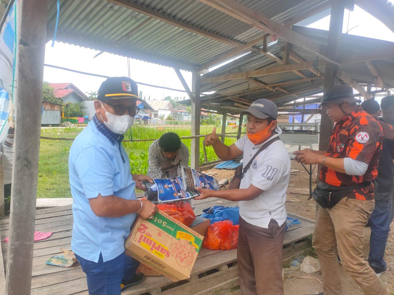 Suhardi Duka Salurkan Bantuan Kementan untuk Penyitas Gempa